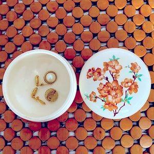 Beautiful Vintage Ceramic Trinket Handpainted